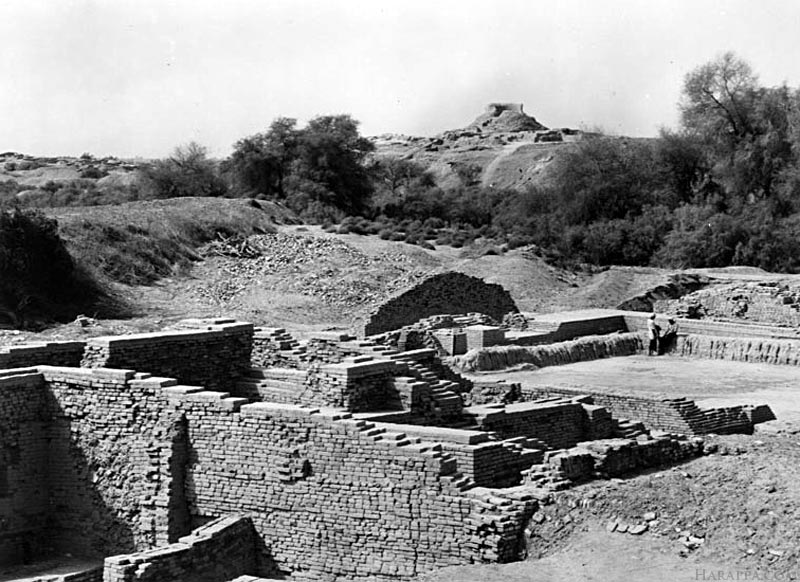 Mohenjo-daro Stupa and Citadel Mound