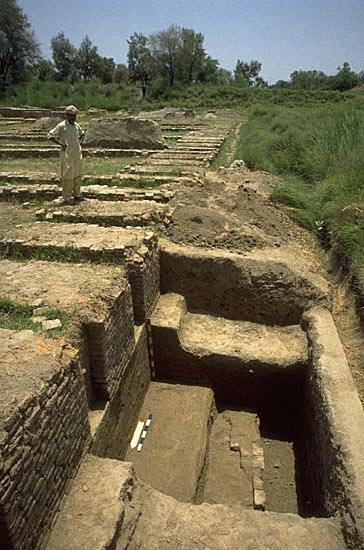 "Excavations in 1997 at the northwest corner of the ""granary"" platform were undertaken to follow the outline of the structure and document its construction (Trench 41NW)."