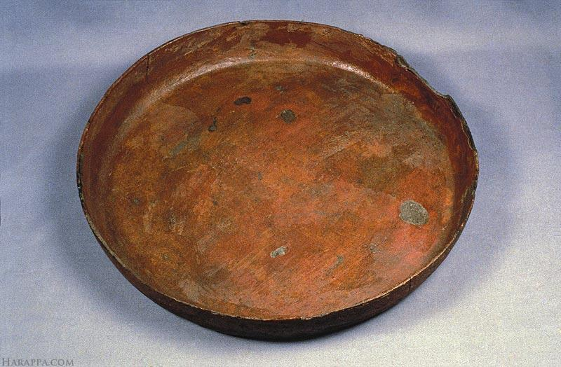Copper and bronze plates were probably used exclusively by wealthy upper class city dwellers.