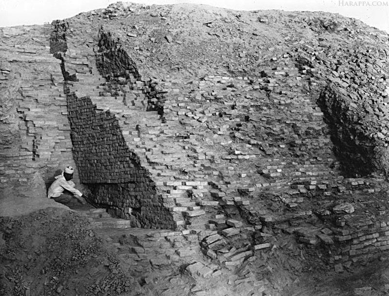 Mohenjo-daro REM Granary Excavations