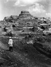 Stupa and Indus Period Structures, Mohenjo-daro